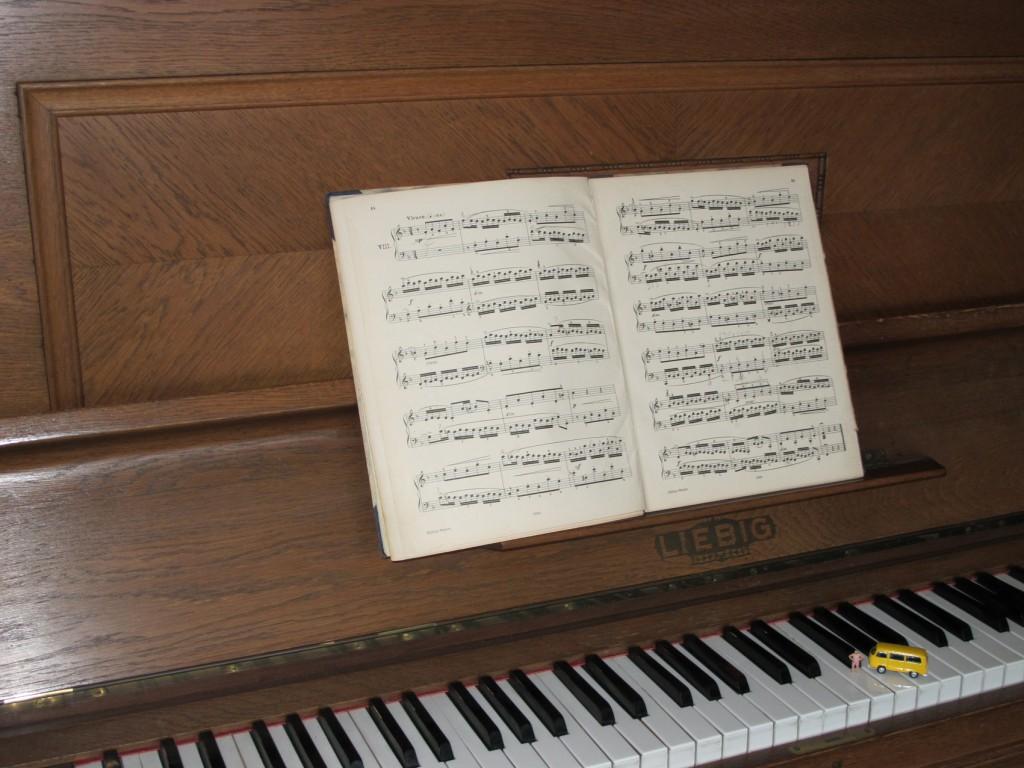 Bodo_Klavier_L